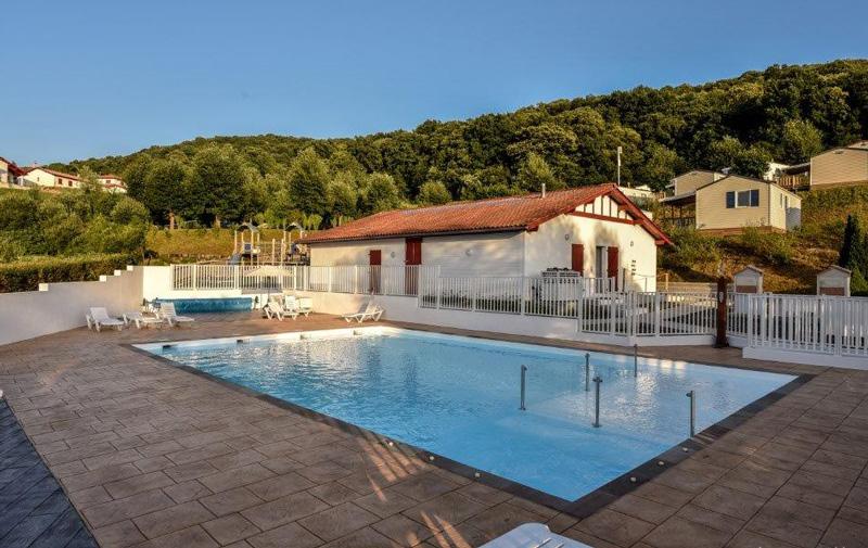 Les Terrasses de Xapitalia-piscine-hasparren