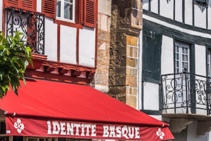 Souvenirs du Pays basque- identité et terroir