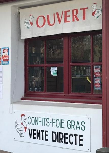 Confit d'Ascain produits terroir-entrée du magasin