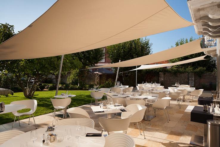 Hotel de silhouette-terrasse-restaurant-Biarritz