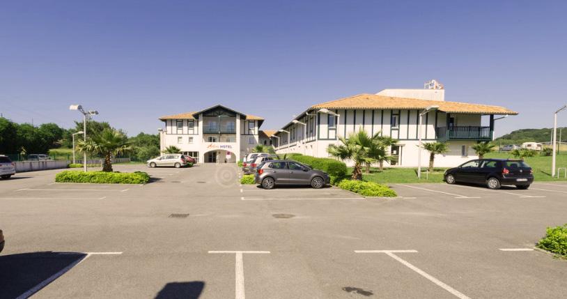 Arena Hotel St Jean-de-Luz-Parking
