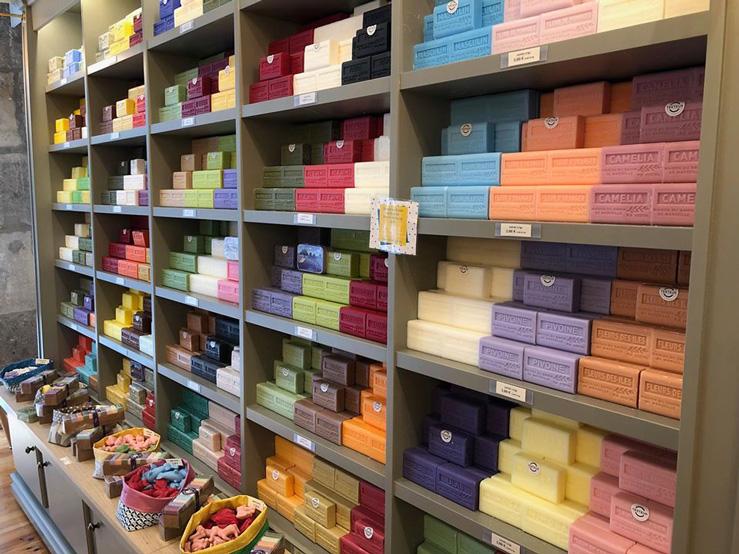 Maison du savon de Marseille-savons colorés parfumés-Bayonne
