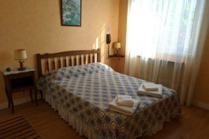 hotel-marie-eder-arcangues-lit-double-chambre