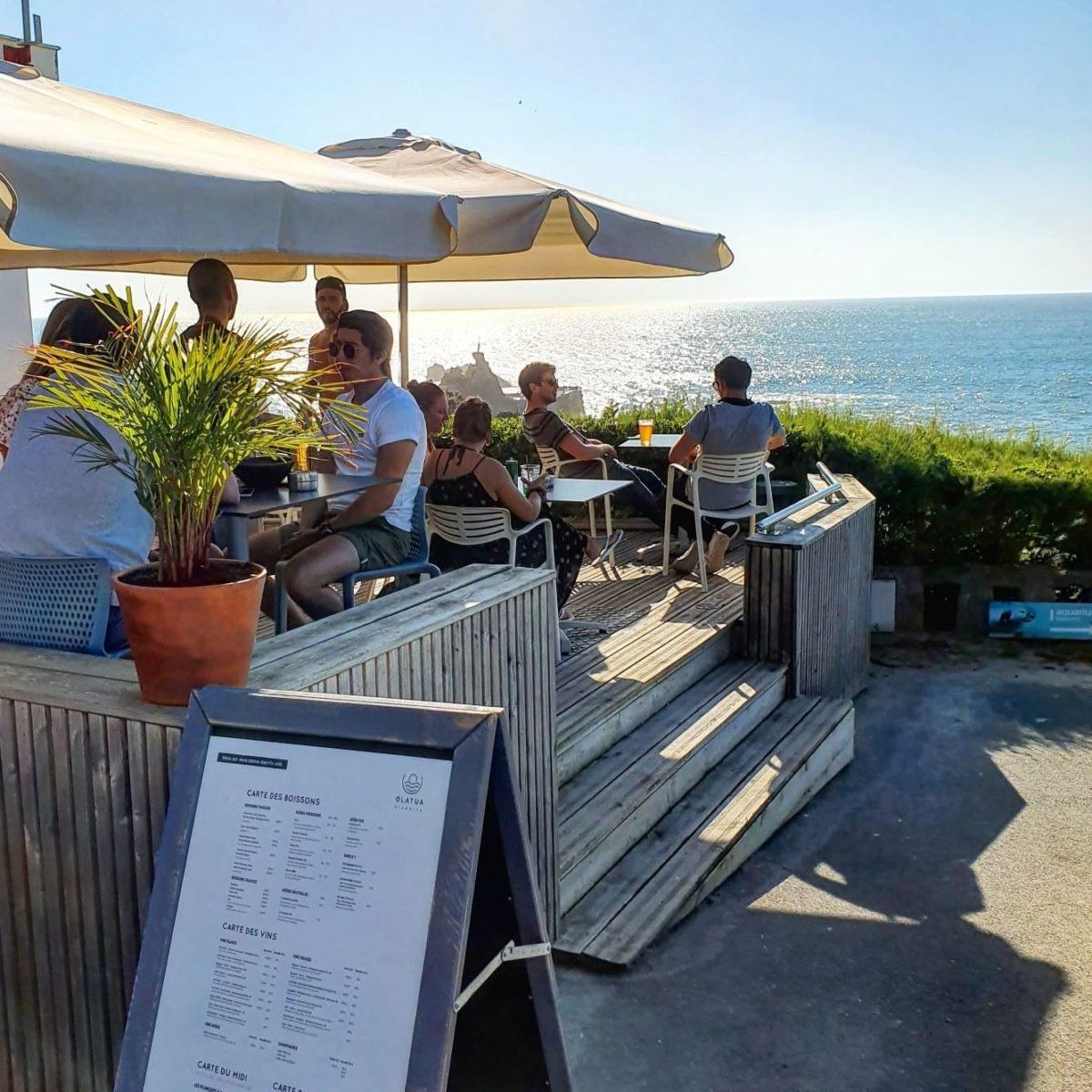 olatua-biarritz-bar-tapas-terrasse-parasol