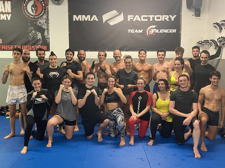 mma-factory-team-silencer-cours-mixte