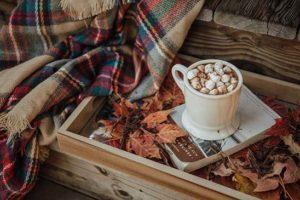 automne-confinement-chocolat-chaud