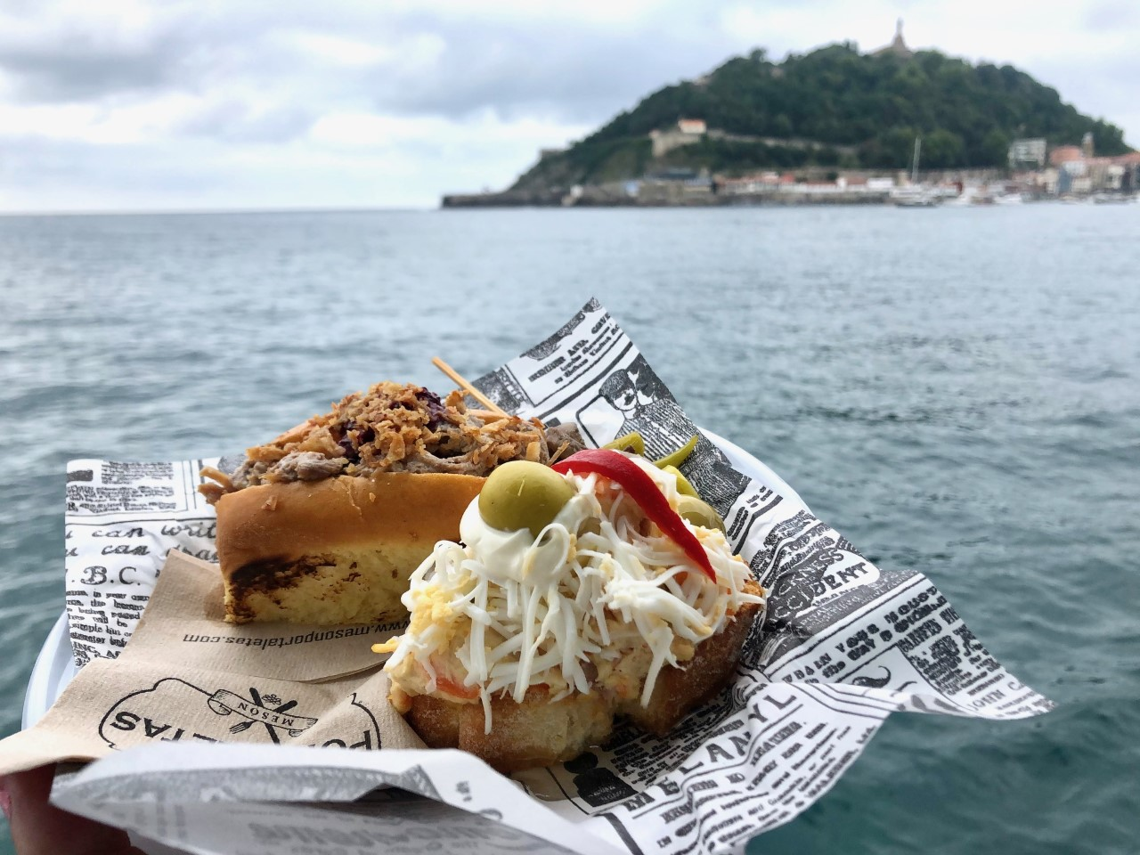 ciudad-san-sebastian-catamaran-promenade-pintxos