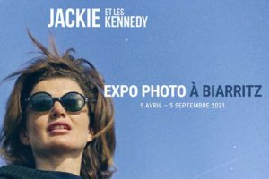 affiche-exposition-jackie-kennedy-biarritz