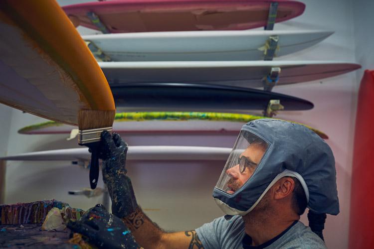 Shaper pays basque Terry Surfboards Peinture Atelier