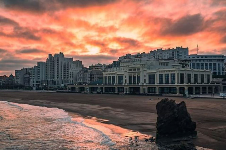 grande plage de biarritz, casino