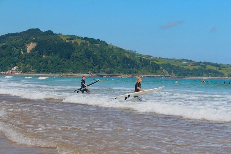 surf-surfeur-plage-ocean
