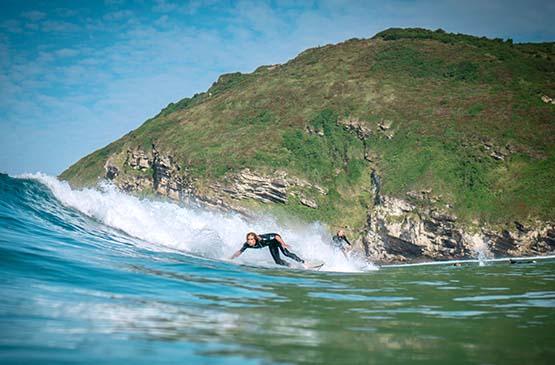vague-surf-surfeur-pays-basque-espagnol