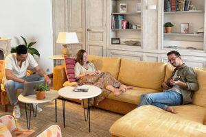 Salon de l'espace de co-working et co-living Outsite Bidart