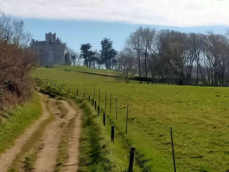 Balade près du Château d'Abbadia avec Hey Ma Trott