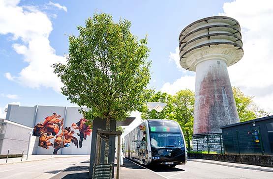 bus-pays-basque-jour