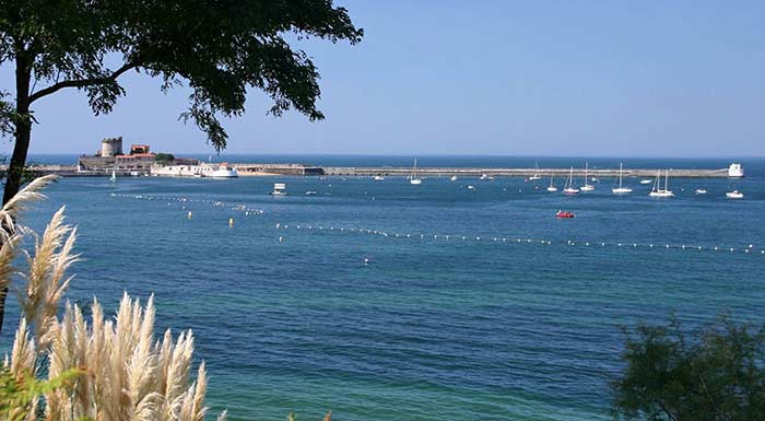 Vue de Ciboure pays basque vacances