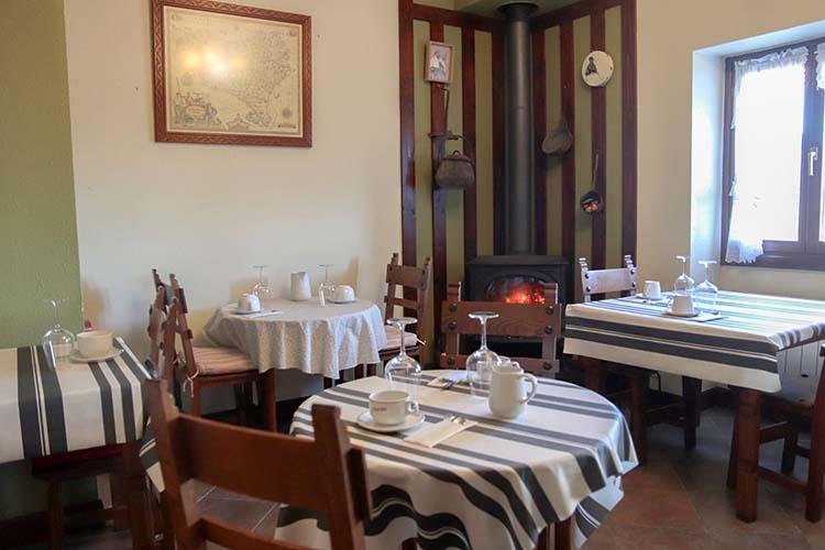 petit-dejeuner-salle