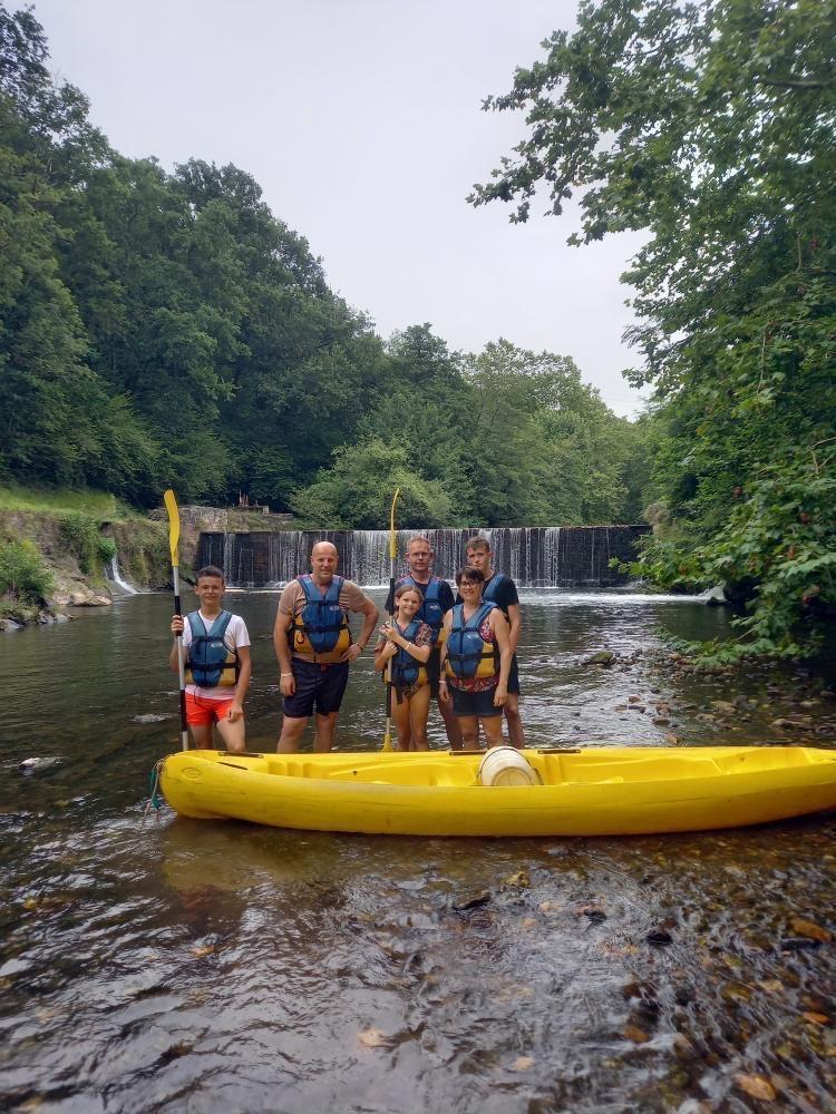 Famille de kayakistes avec Nature Avent'ura 64