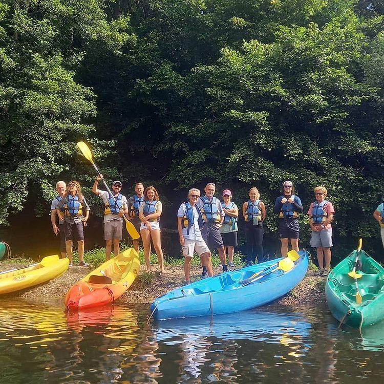 groupe de kayakistes