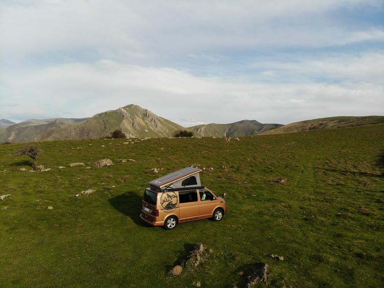 Van Woody Van dans la montagne