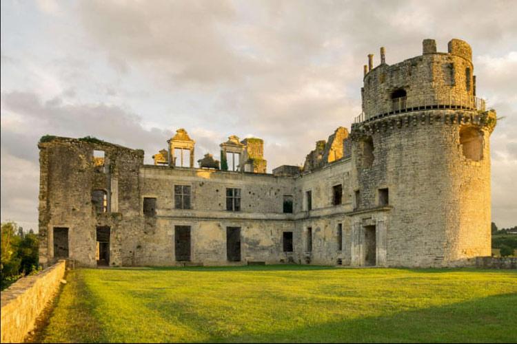 chateau bidache pays basque sortie